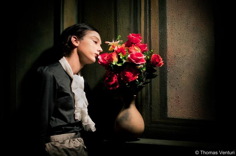 Donna con vaso di fiori, Festa dell'800, Modigliana