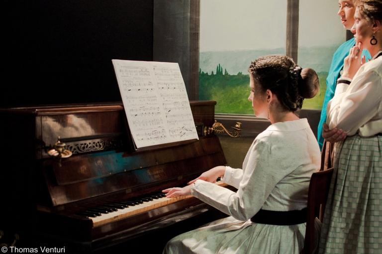 Ragazza al pianoforte, Festa dell'800, Modigliana