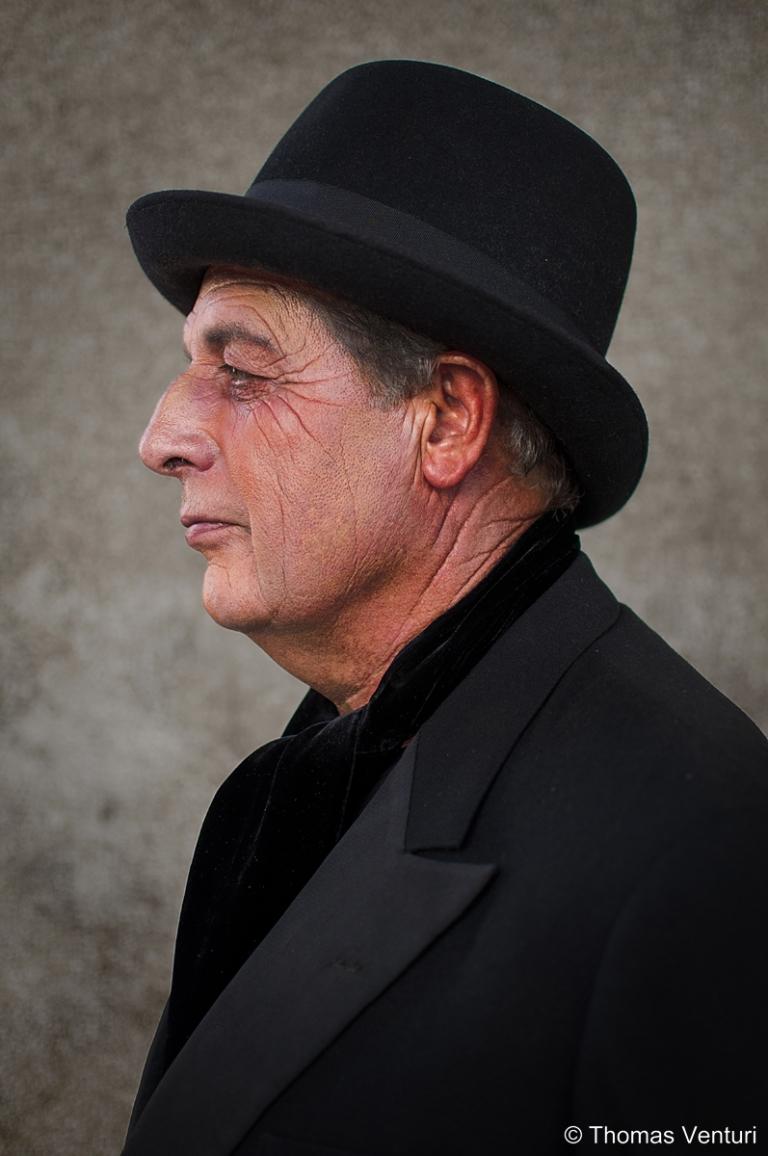 Uomo di profilo, Festa dell'800, Modigliana